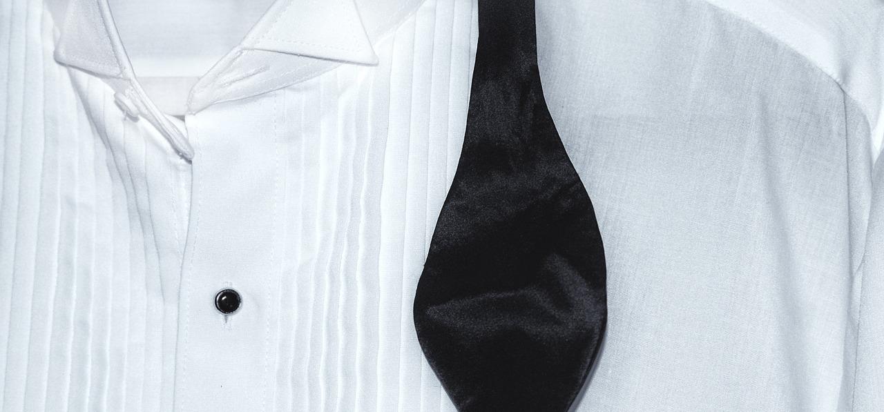Белый с черным: ухаживаем за одеждой школьника вместе с HG!
