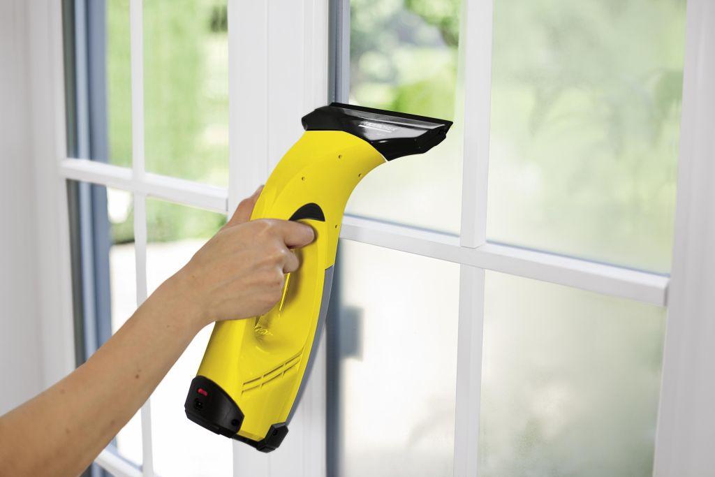 Чем мыть пластиковые окна?